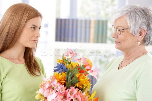 Fiatal nő üdvözlet anya anyák vonzó nap Stock fotó © nyul