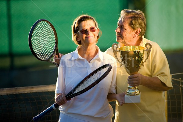 Aktif poz tenis kortu tenis raketi fincan Stok fotoğraf © nyul