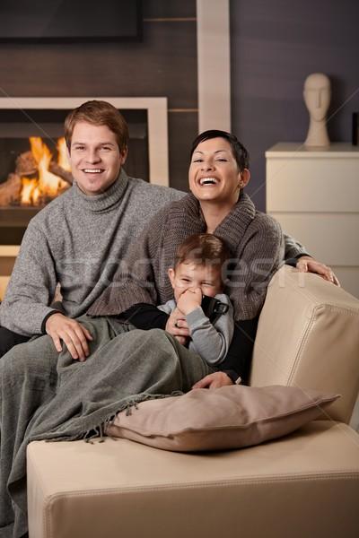 Stockfoto: Gelukkig · gezin · home · vergadering · bank · haard · naar