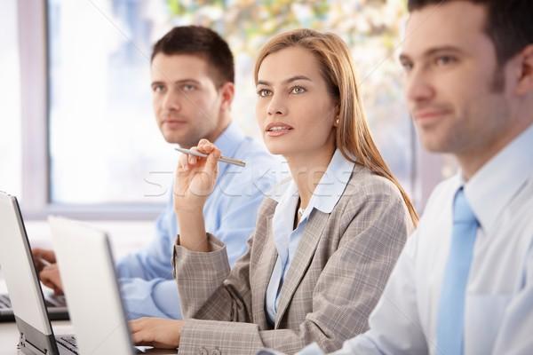 Foto stock: Jovem · profissionais · negócio · atraente · treinamento · escritório