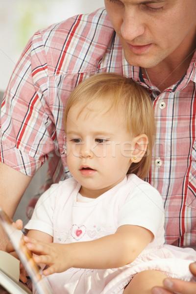 Stockfoto: Vader · baby · lezing · boek · vergadering · samen