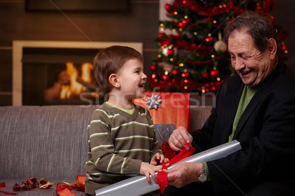 Foto stock: Feliz · avô · neto · natal · presentes