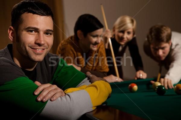 Portré férfi snooker asztal mosolyog fiatalember Stock fotó © nyul