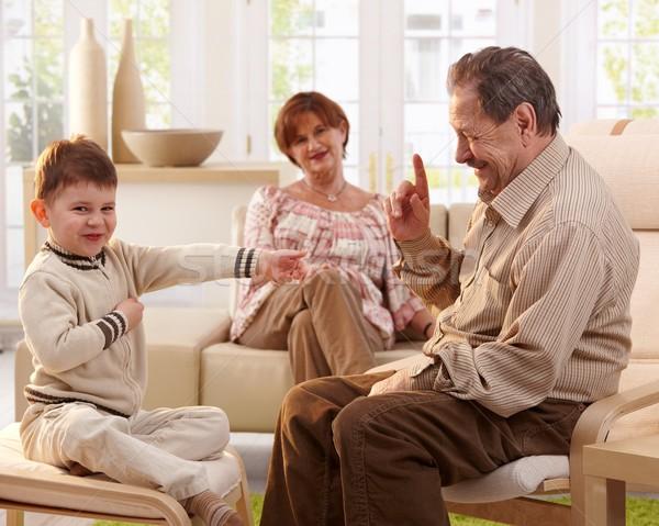 Zdjęcia stock: Dziadek · historia · wnuk · szczęśliwy · uśmiechnięty · wnuczka