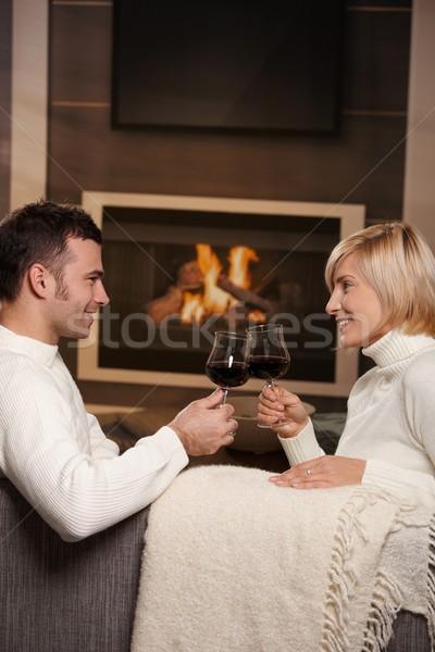 романтические пару домой молодые сидят диван Сток-фото © nyul