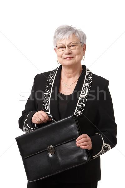 Foto stock: Retrato · senior · empresária · pasta · ativo · sorridente