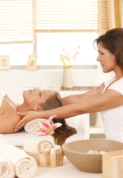Foto stock: Mulher · jovem · massagem · dia · estância · termal · cama · mulher