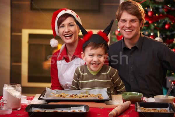 Foto stock: Natal · retrato · família · feliz · três · olhando · câmera