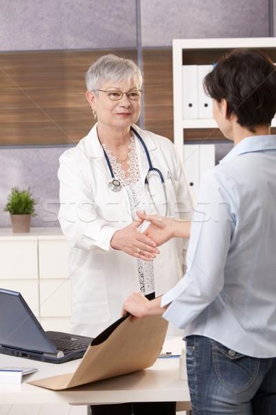 医師 会議 患者 シニア オフィス 握手 ストックフォト © nyul