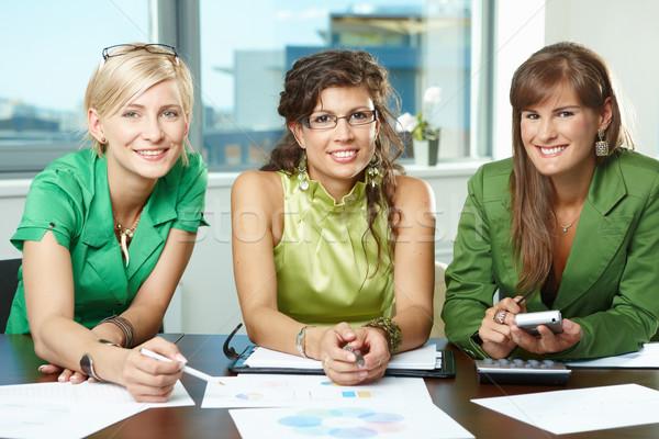 Foto stock: Equipo · de · negocios · grupo · atractivo · empresarias · sesión