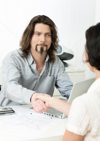 Entrevista de emprego empresário aperto de mãos candidato escritório mulher Foto stock © nyul