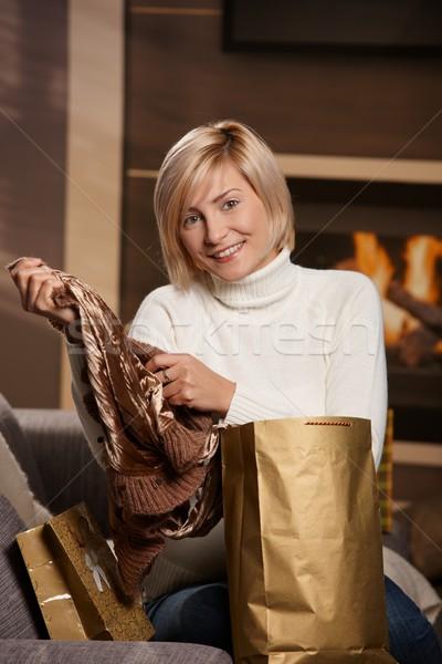 женщину домой счастливым диван Сток-фото © nyul