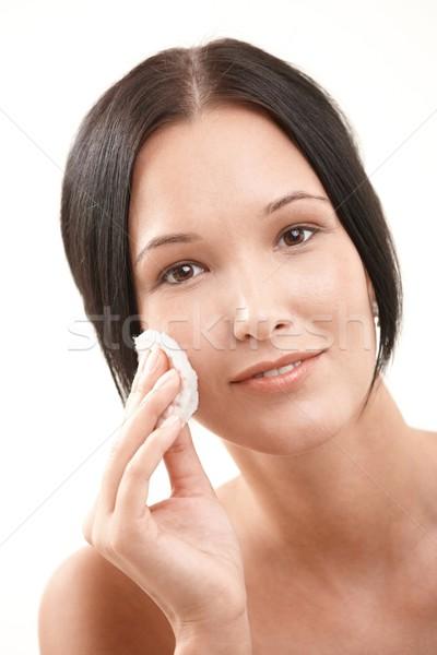 Сток-фото: красивая · женщина · очистки · довольно · хлопка · улыбаясь