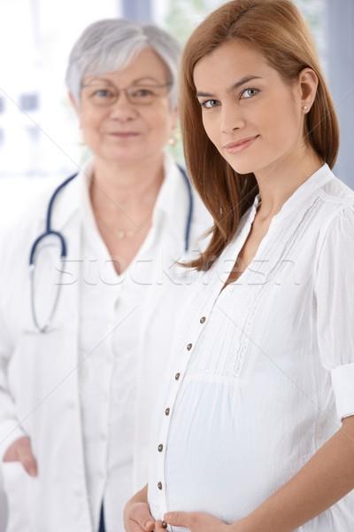 Foto stock: Retrato · embarazadas · madre · jóvenes · atractivo · médico