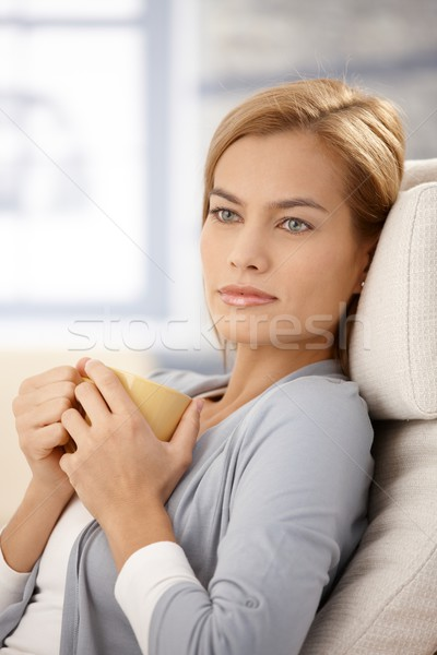 Rüya gibi kadın çay kupa portre Stok fotoğraf © nyul