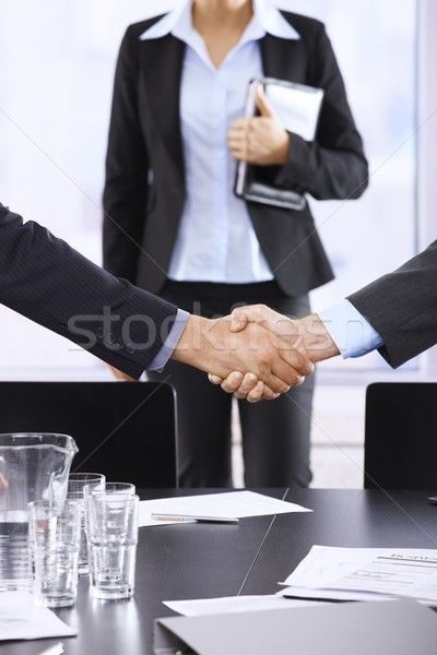 Affaires serrer la main bureau assistant handshake Photo stock © nyul