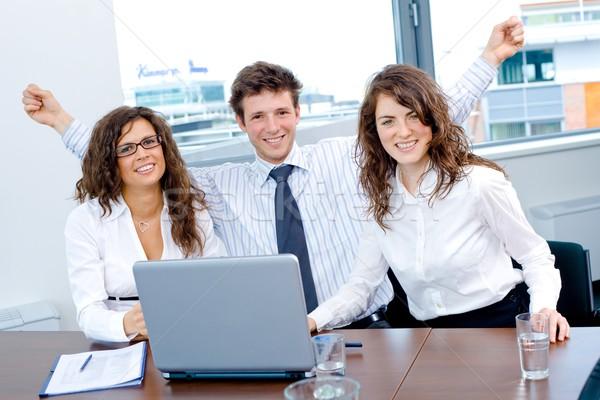 Foto stock: Feliz · bem · sucedido · equipe · de · negócios · pessoas · de · negócios · sessão · reunião
