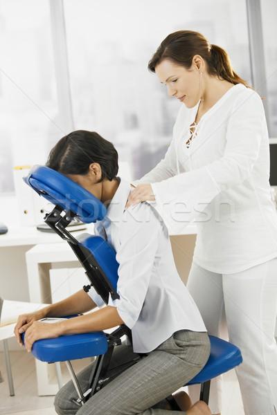 Zakenvrouw nek massage vergadering stoel Maakt een reservekopie Stockfoto © nyul