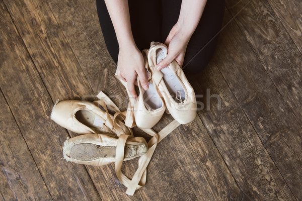 Danseur de ballet ballet ballerine mains Photo stock © O_Lypa