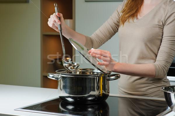 Nő leves konyha merőkanál személy lábas Stock fotó © O_Lypa