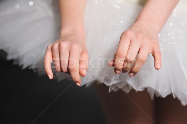 Kezek közelkép ballerina fehér kecses kéz Stock fotó © O_Lypa