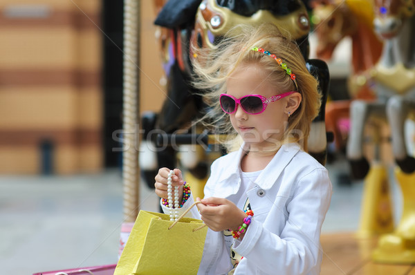 Kind carrousel vol oude frans Stockfoto © O_Lypa