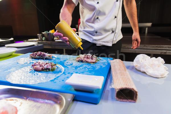 Cuoco mani cottura primavera Foto d'archivio © O_Lypa