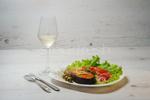 Grillezett lazac tányér bor fa asztal étel Stock fotó © O_Lypa