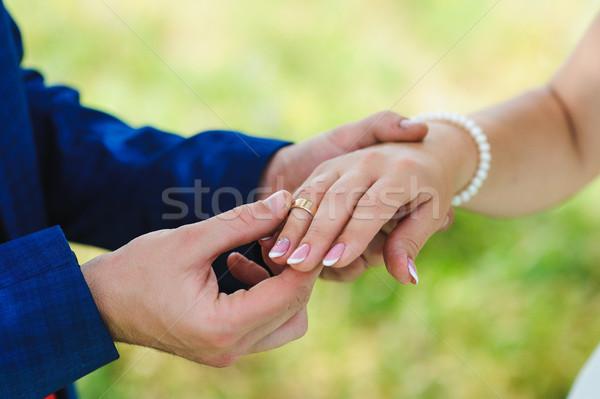 Stock fotó: Menyasszony · vőlegény · csere · gyűrűk · kéz · jegygyűrű