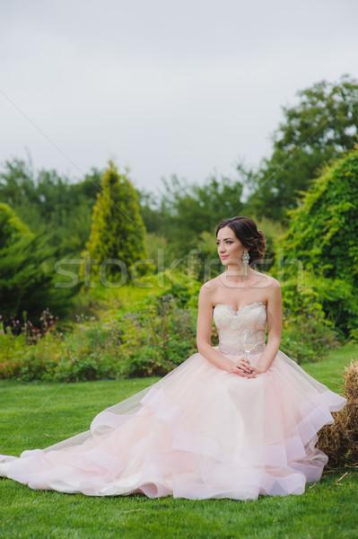 Retrato noiva vidro feminino mão Foto stock © O_Lypa