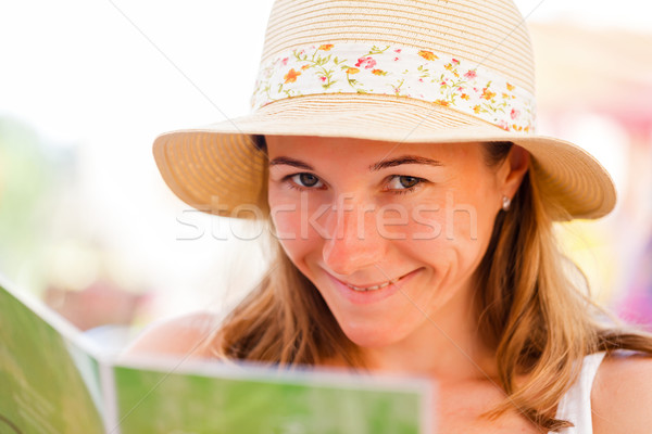 Meisje portret jonge ondeugend glimlachend camera Stockfoto © Obencem