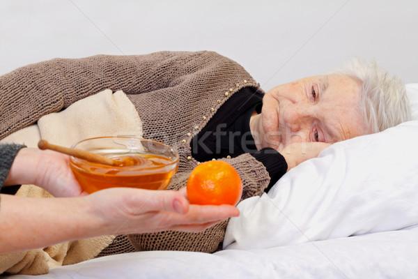 Soins à domicile portrait âgées femme main Photo stock © ocskaymark