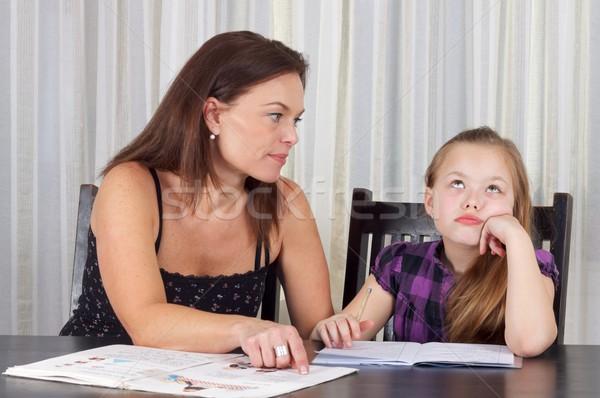Apprendimento tempo madre studiare figlia tavola Foto d'archivio © ocskaymark