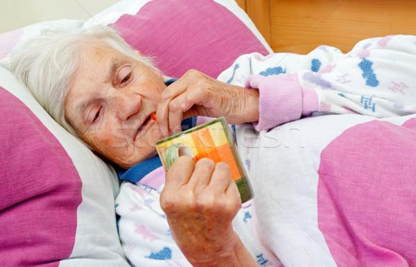 Idő gyógyulás gyönyörű idős nő ház orvosi Stock fotó © ocskaymark