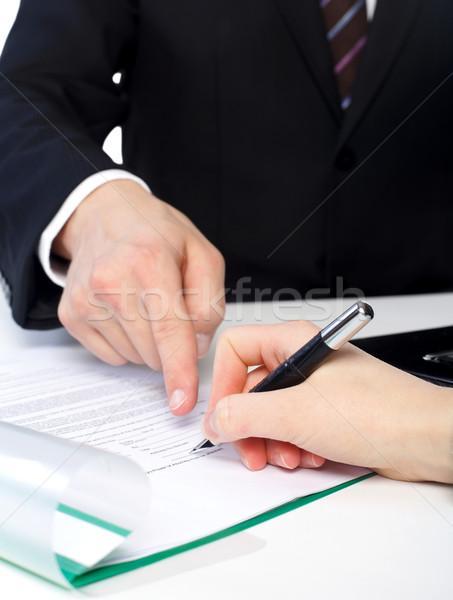 Tratar assinatura cliente documento negócio escritório Foto stock © ocskaymark