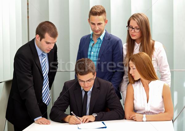 Contratto firma imprenditore squadra carta iscritto Foto d'archivio © ocskaymark