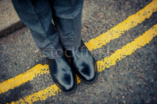 Ayakkabı sokak yol sarı hat işadamı Stok fotoğraf © ocusfocus