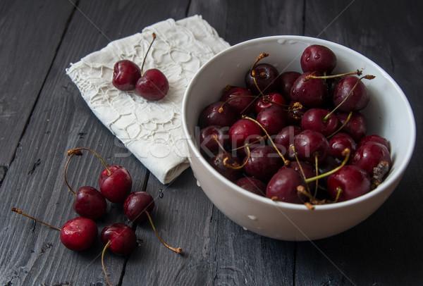 свежие зрелый красный вишни черный таблице Сток-фото © oei1