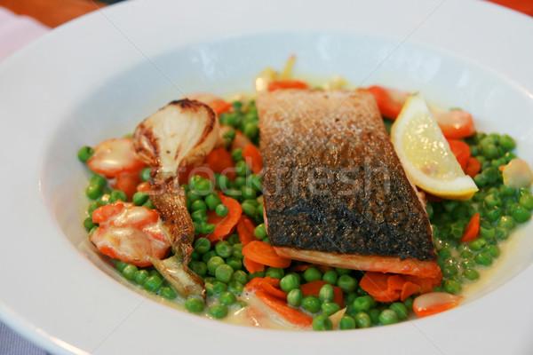 Сток-фото: рыбы · овощей · пластина · ресторан · красный · еды