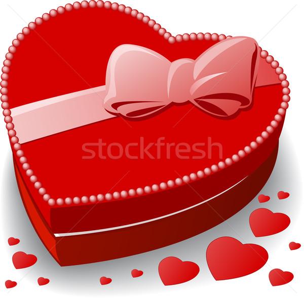 Kırmızı kutu dekore edilmiş yay kalp doğum günü Stok fotoğraf © Oksvik