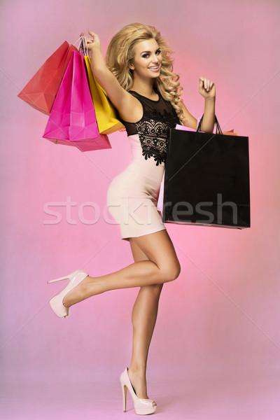 Uśmiechnięty piękna kobieta szczęśliwy modny kobieta Zdjęcia stock © oleanderstudio
