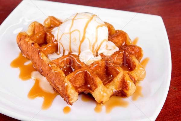 ワッフル アイスクリーム おいしい クリーム 背景 白 ストックフォト © olira