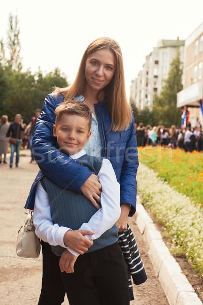 Első idő első osztály boldog iskolás fiú anya Stock fotó © olira