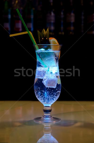 Stok fotoğraf: ışık · kokteyl · turuncu · ananas · soda · karanlık