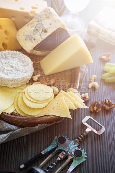 ストックフォト: チーズ · セット · ブドウ · ナッツ · フルーツ