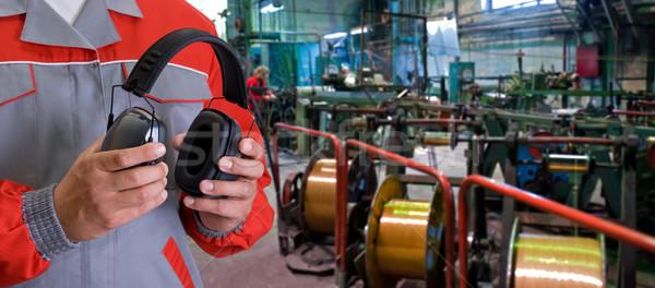 Travailleur casque homme mains industrielle usine Photo stock © olira
