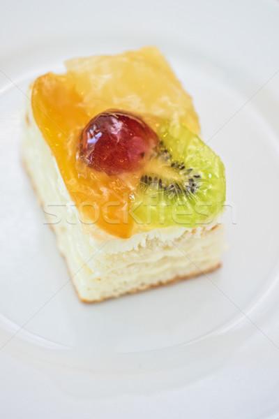 Pieza pastel de frutas blanco placa manzana frutas Foto stock © olira