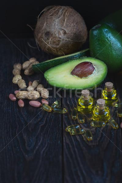 Forrás omega 3 olaj avokádó halolaj tabletták Stock fotó © olira