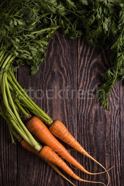 Frissen megnőtt répák fa asztal természet levél Stock fotó © olira
