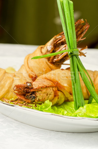 Edény saláta zöldhagyma citrom fekete olajbogyó Stock fotó © olira